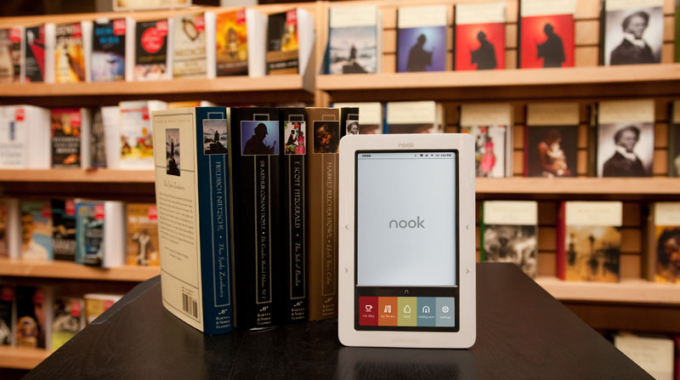 Comparing Nook Tablet to Kindle Fire